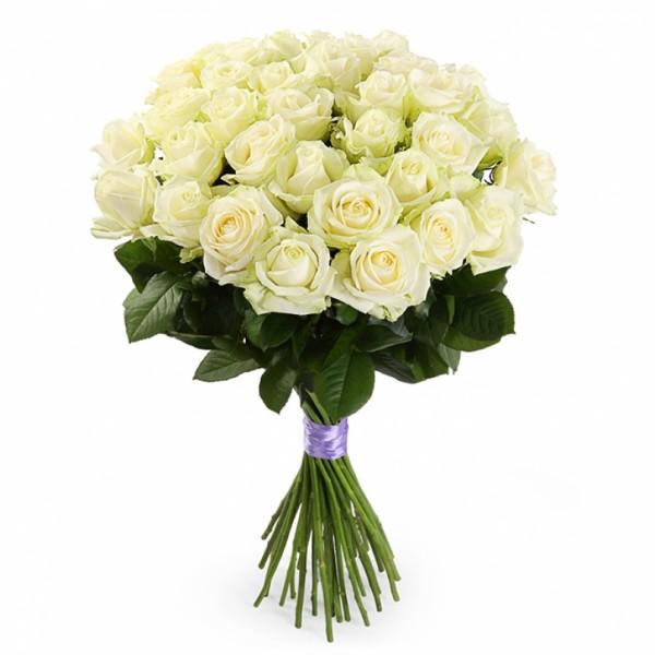 Букет из 25 белых роз 60 см