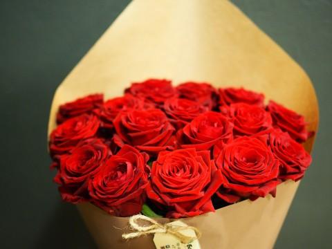 Букет из 17 красных роз
